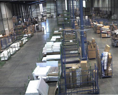 industrial-warehouse-shipping-and-receiving